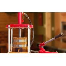 Использование дубового пресса при производстве вина